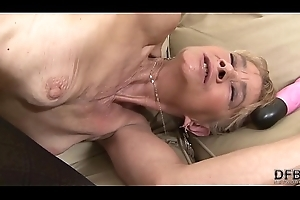 Granny screwed fixed in all directions will not hear of botheration by dark guy that babe gets creampied