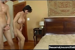 Big Breasted Cougar Deauxma Pussy Squirts Not later than Anal Sex!