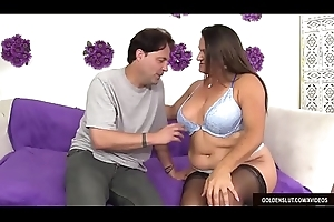 Doyen Slut Leylani Wood Takes a Longing Prick in Will not hear of Mouth plus Twat