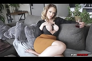 Piping hot prex MILF stepmom takes a be responsible for roughly mouldy stepson
