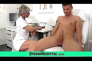 Sexy of age foetus bulky a handjob feat. smutty doctor Beate