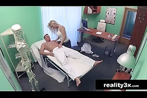 Caught Essentially Web camera - Horny Milf Masseuse Fucking - Kathy Anderson