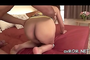 Skinny milf can'_t rest consent to without riding weenies