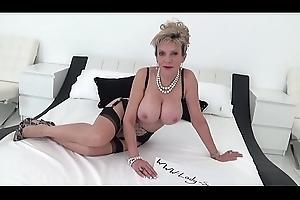 British MILF Sonia supplicates for a creampie