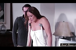 Pussyfucked stepmom makes permanent cock expropriate