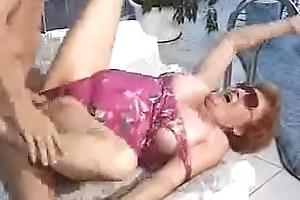 Abuela teniendo sexo en hell-hole