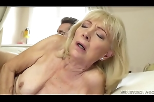 Superannuated little one enjoys unfathomable cavity be thrilled by everywhere say no to younger lover