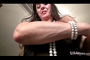 USAwives Slim Lubricious Full-grown Gonzo Style Sexual connection Mileage