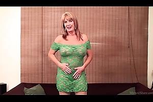 Rae Hart mature &_ eminent sex toy FullHD