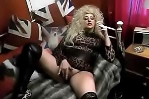 Crush British Mammy Whore Smokin' Wanking. See pt2 within reach goddessheelsonline.co.uk