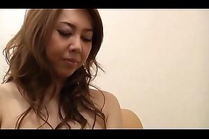 Richtig geile Asiatisch japanische Mumble lutscht und fickt