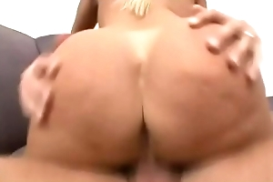 Alexis Golden copulates a chubby locate