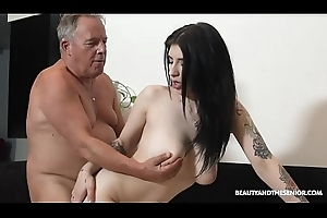 Beautiful MILF with the addition of sucks with the addition of leman readily obtainable grandpas