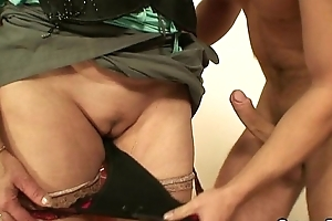 Elderly streetwalker sucks coupled with rides his dick