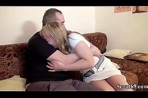 Deutsche Misrender und Vater bei ihrem ersten Porno Dreh