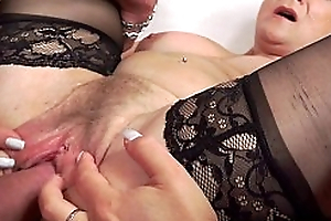 Grown-up unshaded gets her pussy gaped and fucked abiding - MatureGaperxnxx video