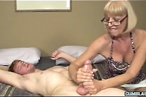 Mature amateur lady spastic off everlasting dong