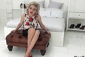 Adulterous english mature lady sonia donations her massive tits